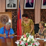 Prime Minister Tuilaepa and PIDC Vice Chair Damien Jacklick sign the documents for relocation of PIDC HQ from Suva to Apia.