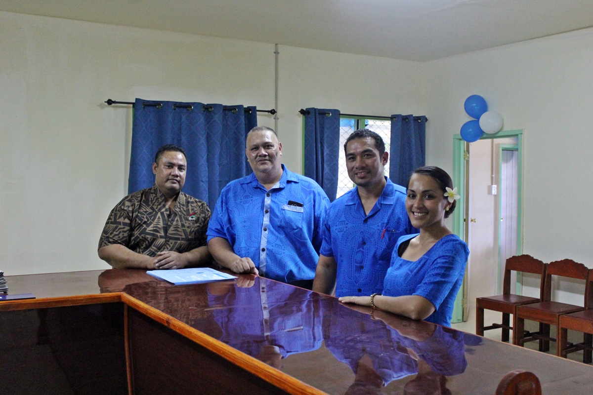 ACEO Immigration Valavalaotumanu Luamanuvae Siaopo Pese (second from left) with MPMC personnel