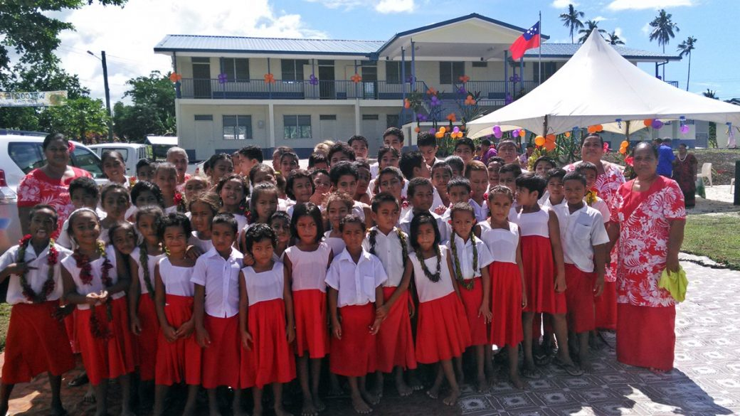 Savaia Primary Schoolchildren in front of their new building